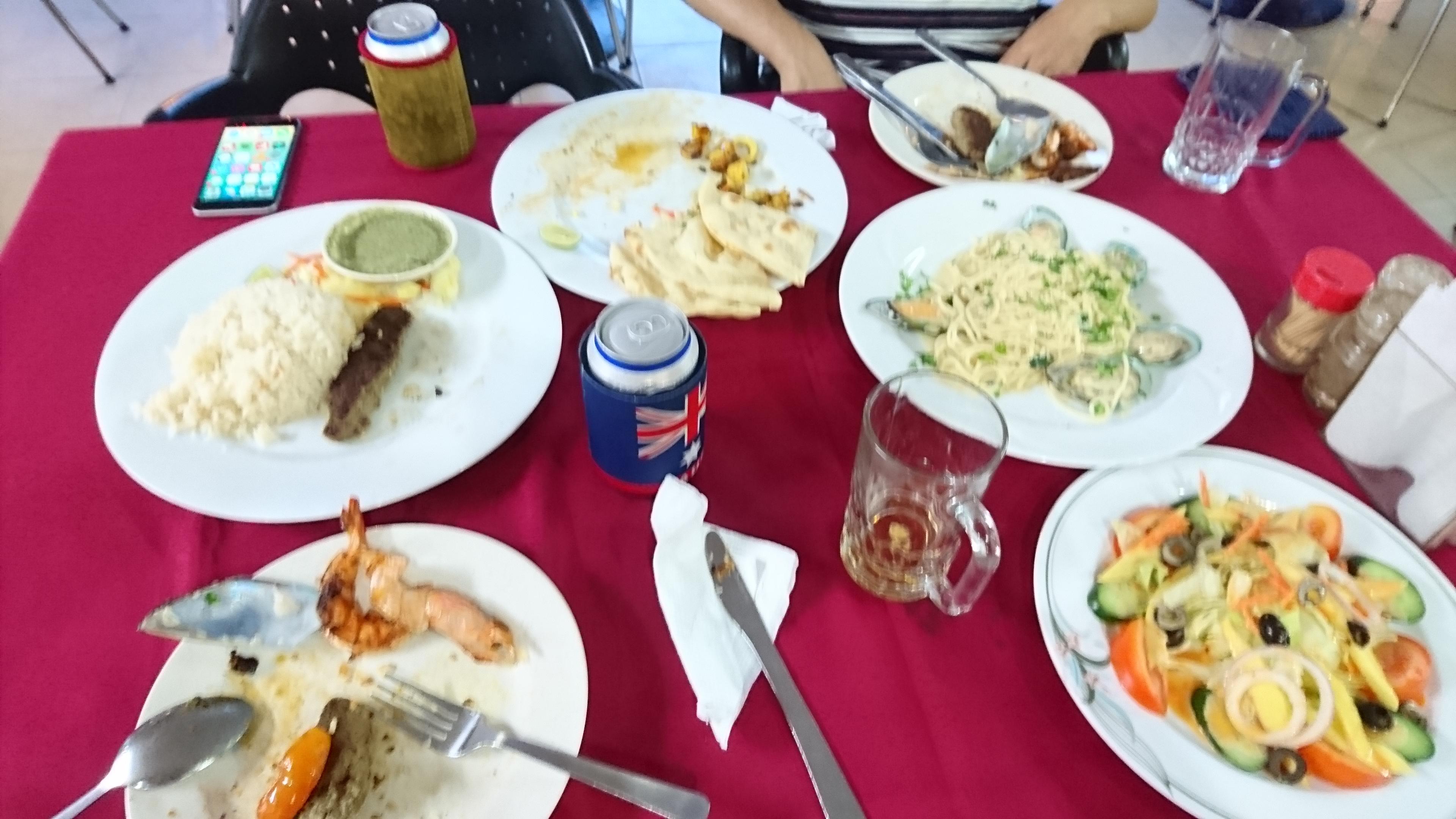 発表後のボスとの会食。どれも美味しかった。ごちそうさまでした。